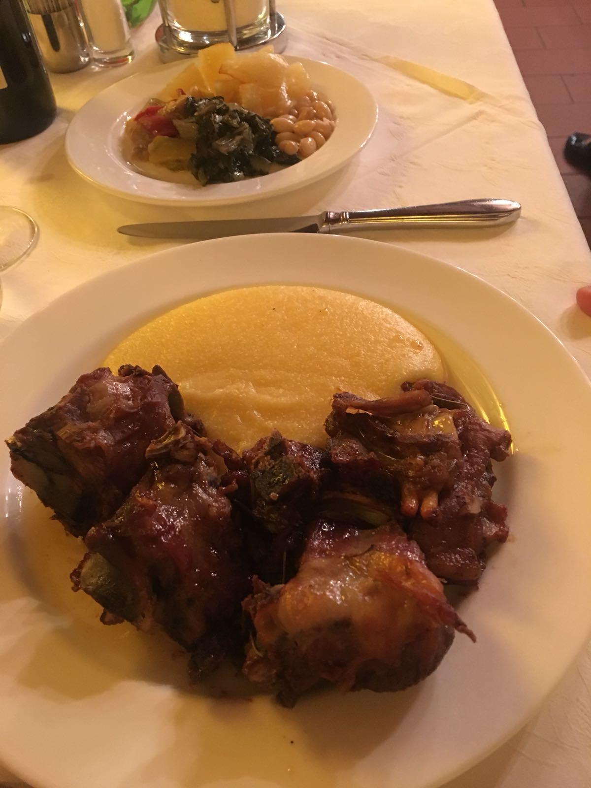 Un tipico cibo italiano della regione prealpina..